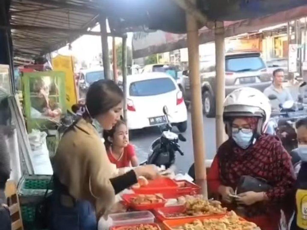 Penjual Gorengan Cantik hingga Makanan Aneh dari Bagian Tubuh Hewan
