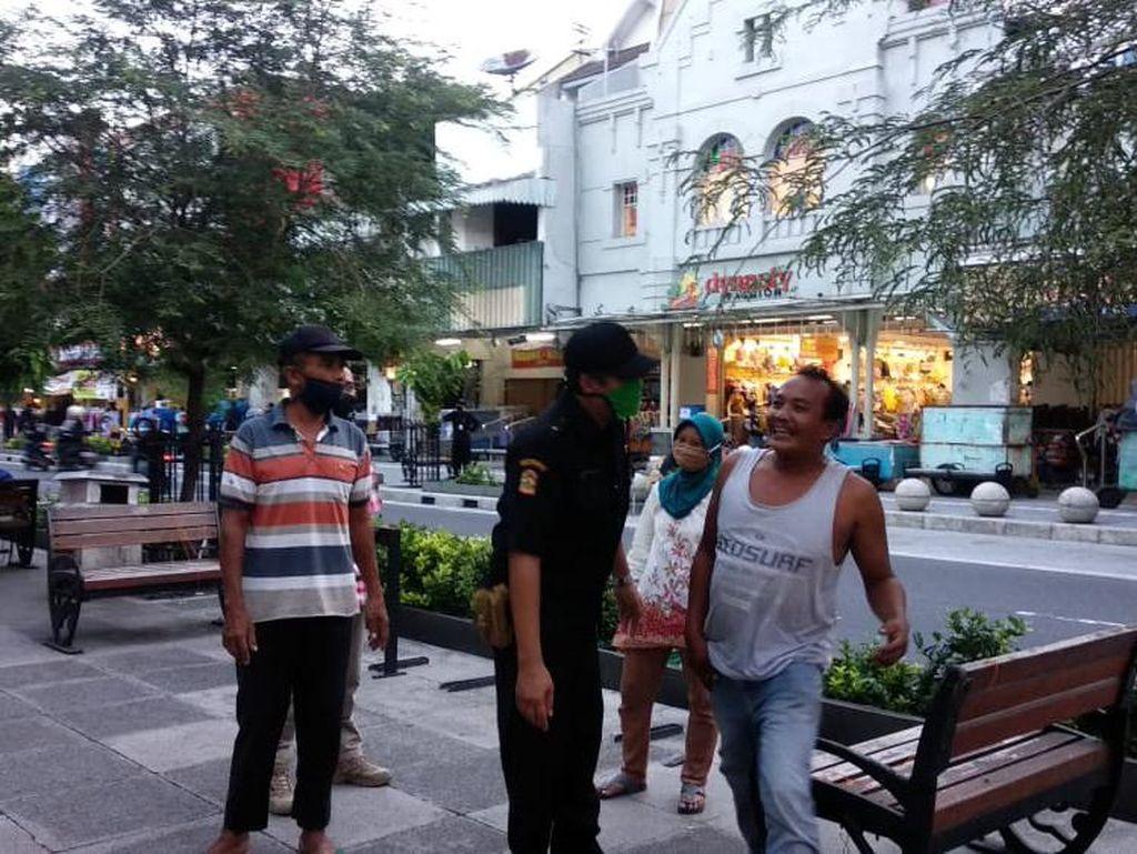 Banyak yang Bandel Kongko Tanpa Masker, Pemkot Yogya Ancam Tutup Malioboro