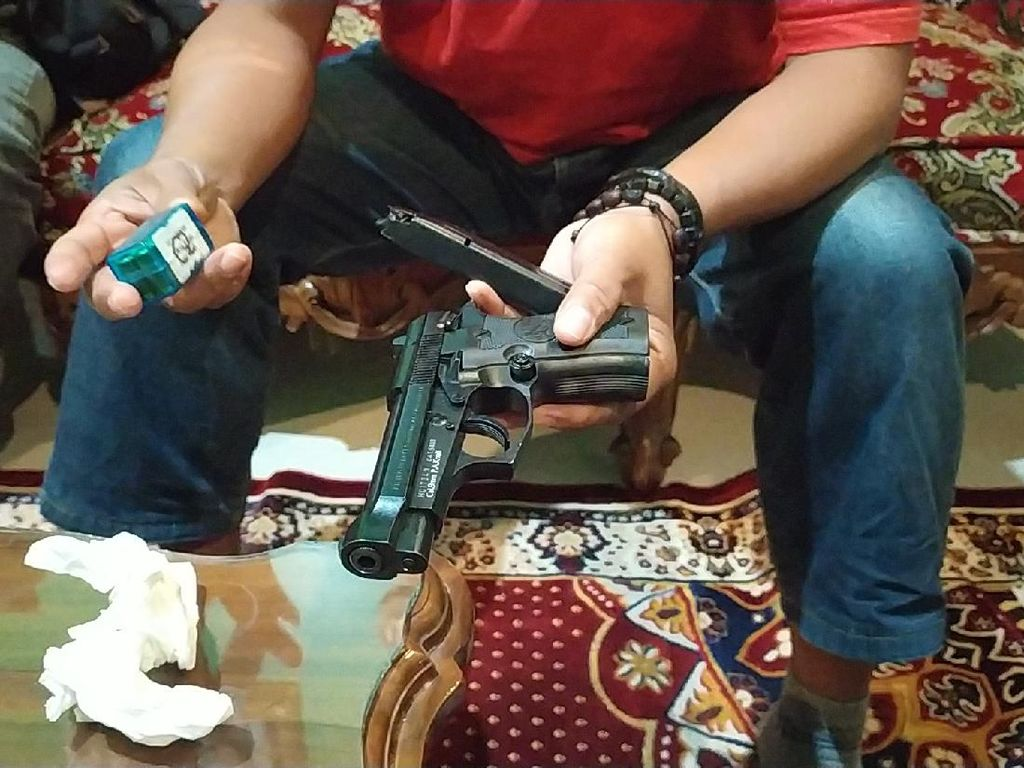 Kepsek Garut Bawa Pistol, Polda Jabar: Tidak Ada Penyalahgunaan