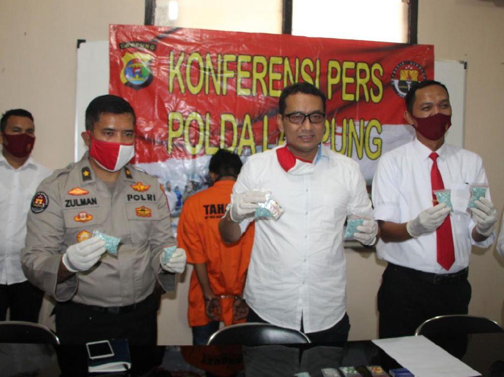 Punya 3.020 Ekstasi Siap Edar, Pria di Lampung Ditangkap Polisi