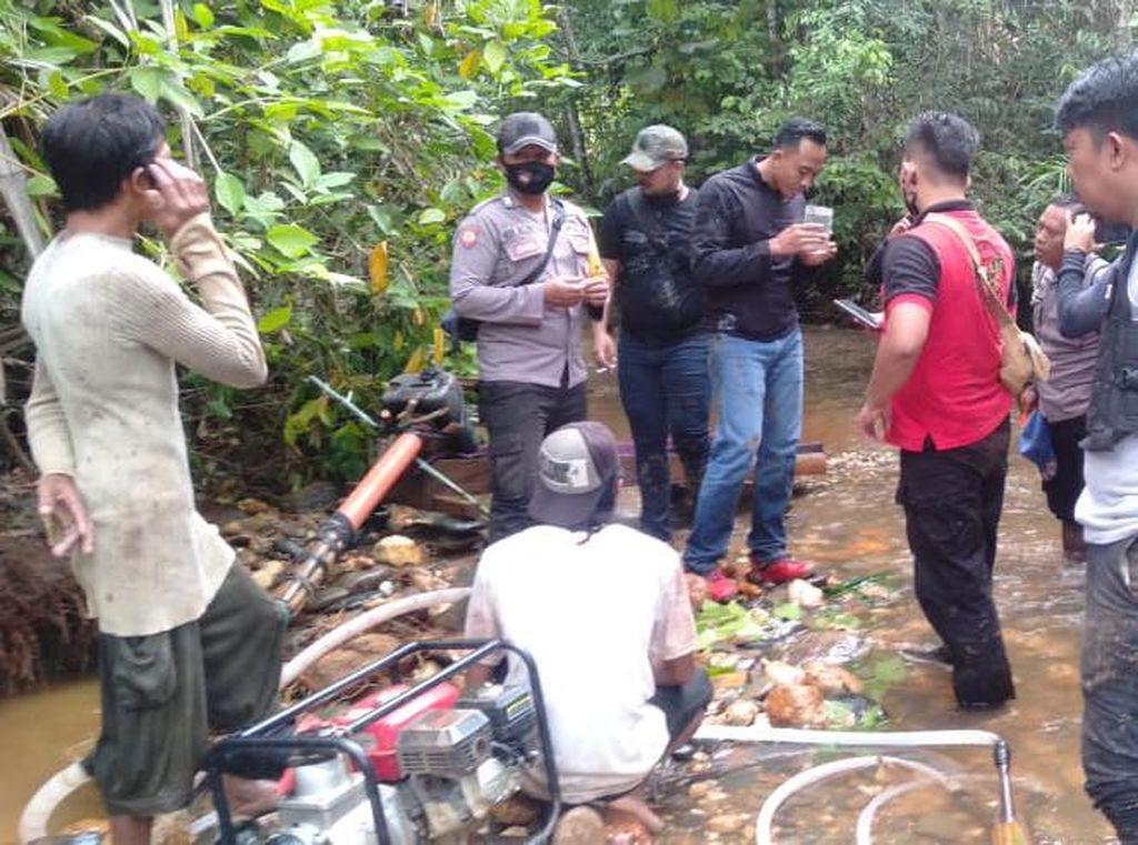 Polisi Minta Warga Desa Popalia Kolaka Tak Dulang Emas Saat Pandemi