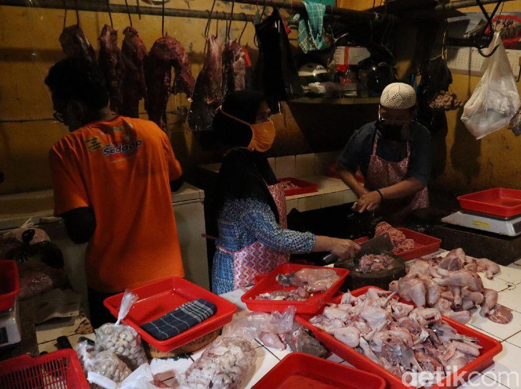 Video Gugus Tugas COVID-19 Tutup Tiga Pasar di Bandung