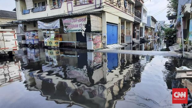 Banjir rob di Muara Angke, Jakarta (7/6).