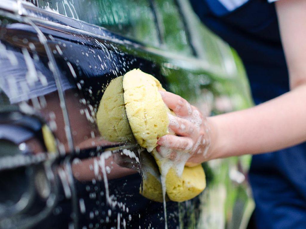 Hati-hati, Ini yang Harus Diperhatikan Saat Cuci Mobil