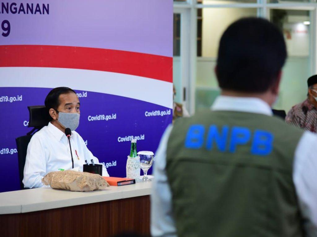 Jokowi Bubarkan Gugus Tugas COVID-19, Siapa yang Gantikan Fungsinya?
