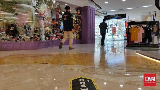 Warga Surabaya Ramaikan Mal Usai Psbb Dihentikan