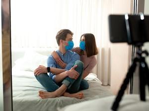 Suka Merekam Diri Sendiri Saat Berhubungan Seks? Mungkin Ini Penyebabnya