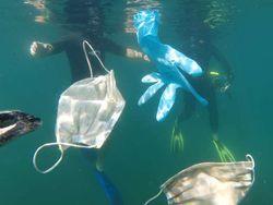Sampah Masker dan Sarung Tangan Jadi Ancaman Lingkungan Era New Normal