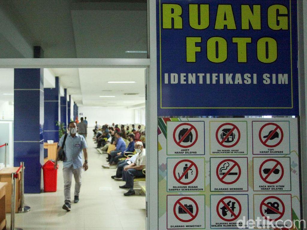 Jakarta Terapkan PSBB Ketat, Pelayanan SIM Tetap Buka?