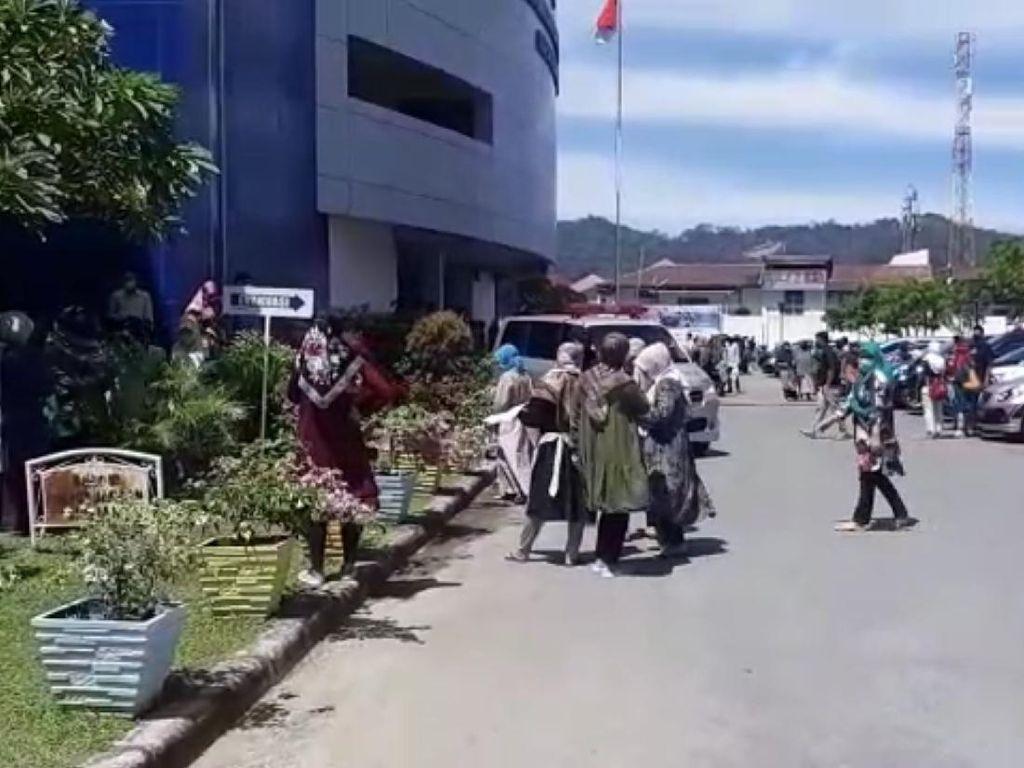 Pasien RS di Padang Dievakuasi saat Gempa M 5,7 Guncang Bengkulu