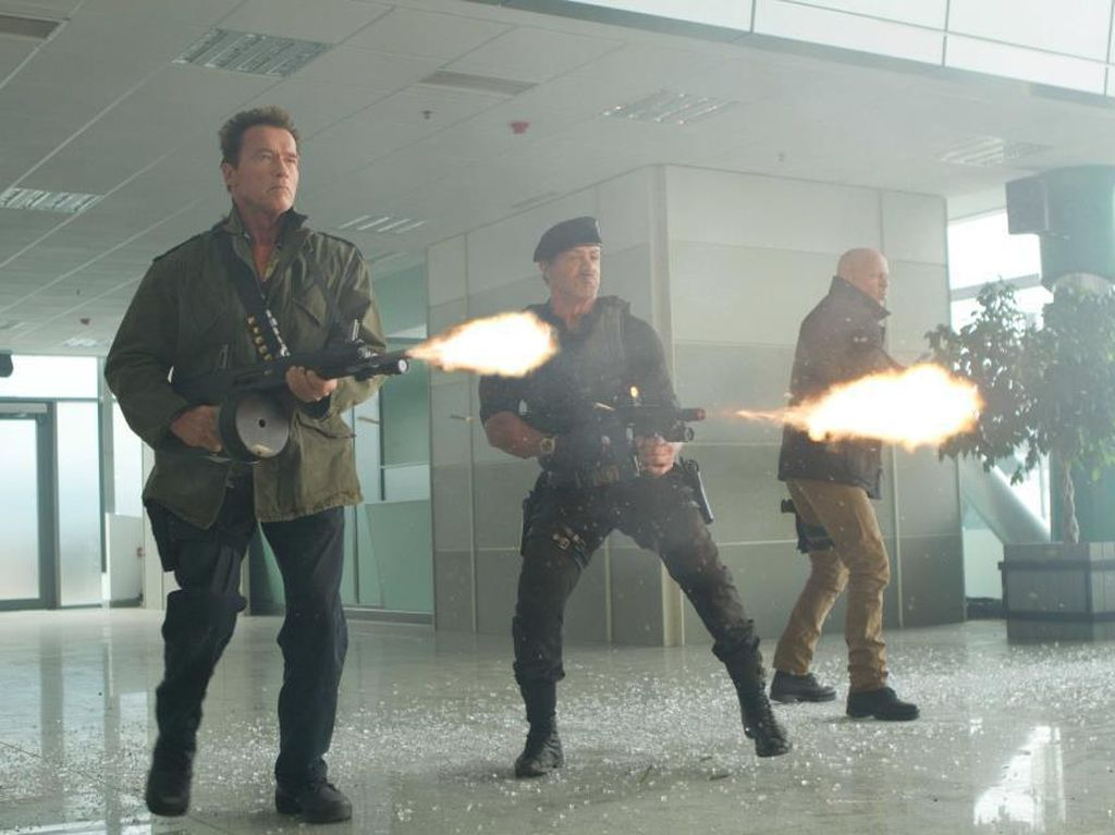 Sinopsis The Expendables 2, Film Sylvester Stallone dan Bruce Willis