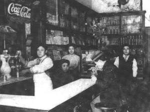 5 Tempat Makan Ini Eksis Sejak 100 Tahun Lalu hingga Hari Ini