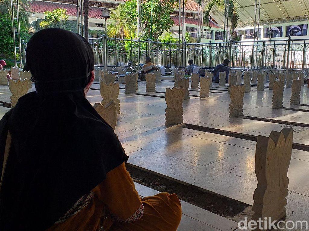 Wisata Religi Sunan Ampel Sudah Dibuka, Tapi Masih Sepi Peziarah