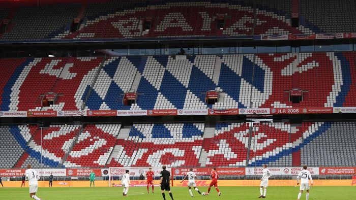 MUNICH, GERMANY - MAY 23: General view inside the stadium during the Bundesliga match between FC Bayern Muenchen and Eintracht Frankfurt at Allianz Arena on May 23, 2020 in Munich, Germany. (Photo by Andreas Gebert/Pool via Getty Images)