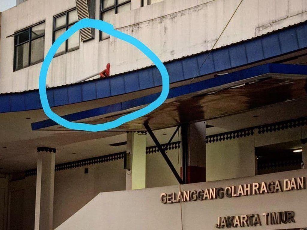 Video Evakuasi Wanita di Atap GOR Ciracas, Kabur Hindari Tes Corona