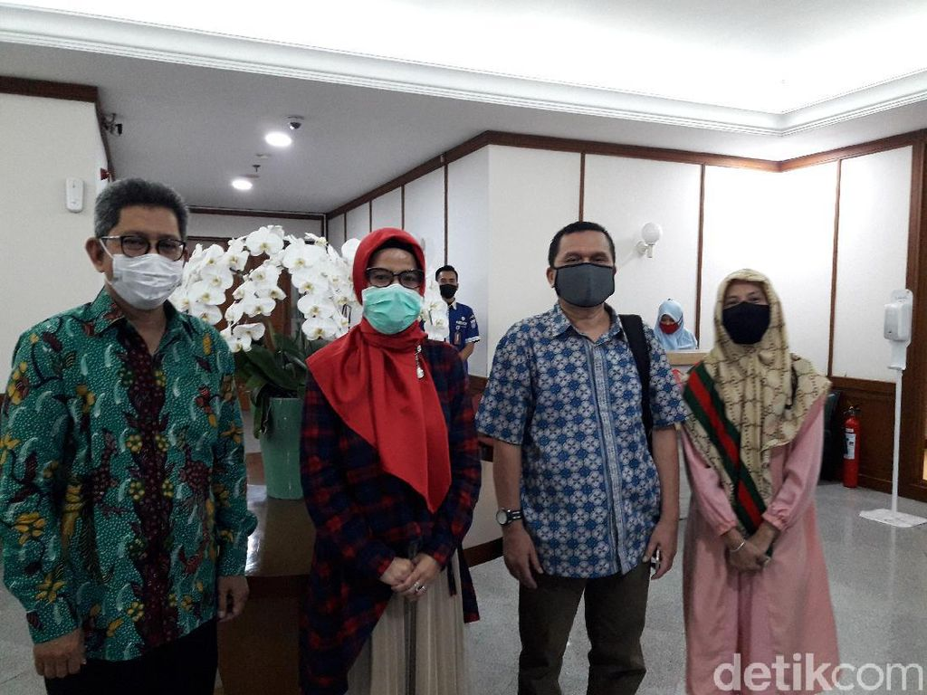 Usai Temui Wagub DKI, Forum Orang Tua Murid SMP Protes Aturan PPDB ke DPRD