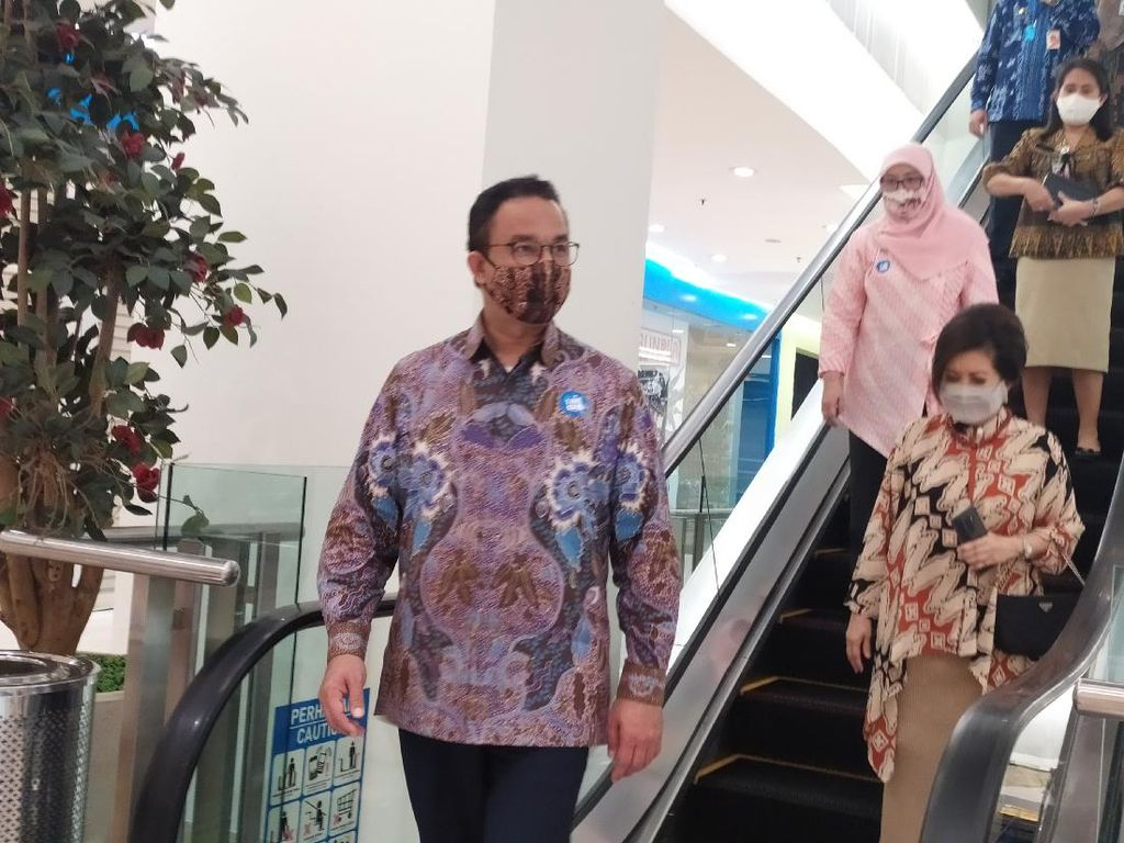 Awas! Anies Siapkan Denda Bagi Pemakai Kantong Plastik