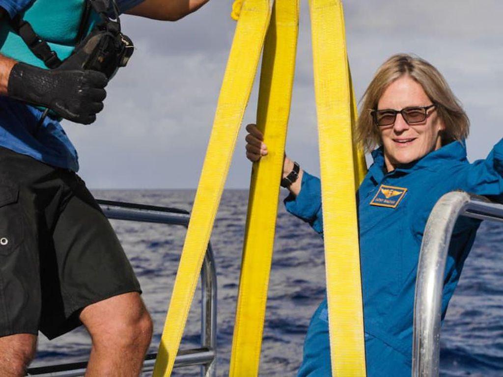 Wanita Ini Terbang ke Antariksa dan Menyelam ke Palung Bumi!