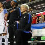 PSSI-nya AS Bolehkan Pemain Berlutut Saat Nyanyikan Lagu Kebangsaan