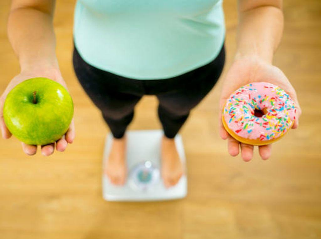 Kamu Masih Percaya 5 Mitos Makanan Penyebab Kegemukan Ini?