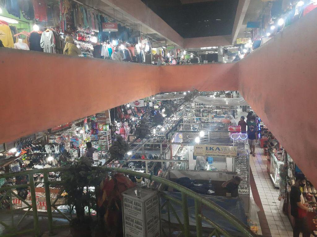 20 Pedagang Positif Corona, Pasar Perumnas Klender Jaktim Tetap Buka