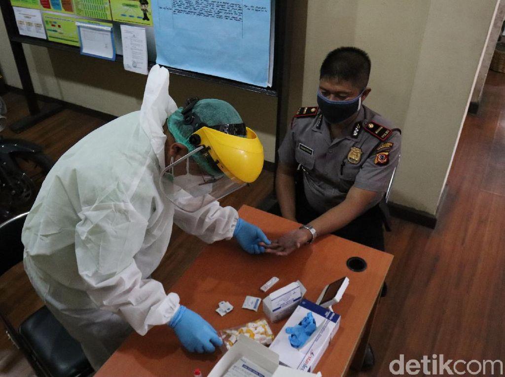 Polisi dan Pemuka Agama di Bandung Jalani Rapid Test