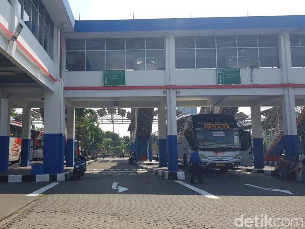 Pekerja Masuk Surabaya Wajib Tunjukkan Bukti Non-COVID, Bagaimana di Terminal?