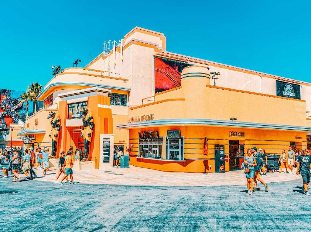 Universal Studio City Walk Hollywood Kembali Sambut Para Wisatawan
