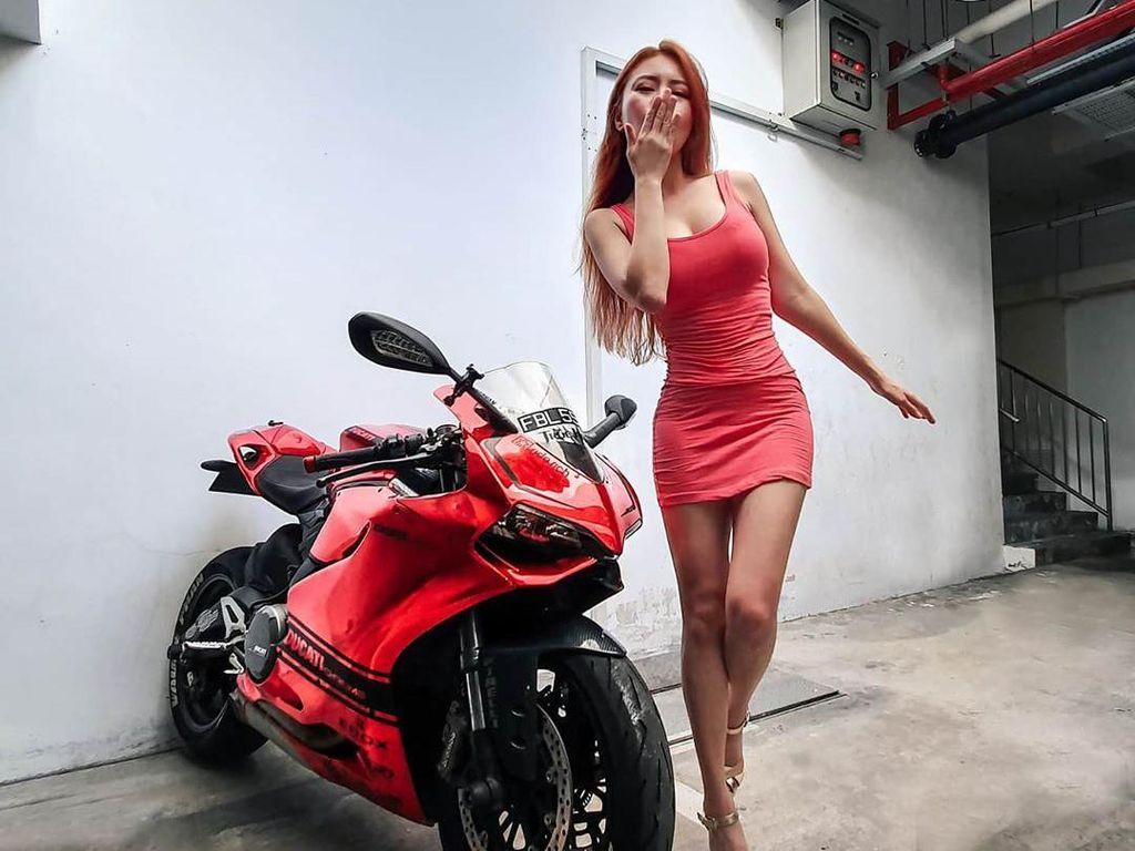 Biker Seksi Ini Pernah Berani Lawan Bengkel Nakal