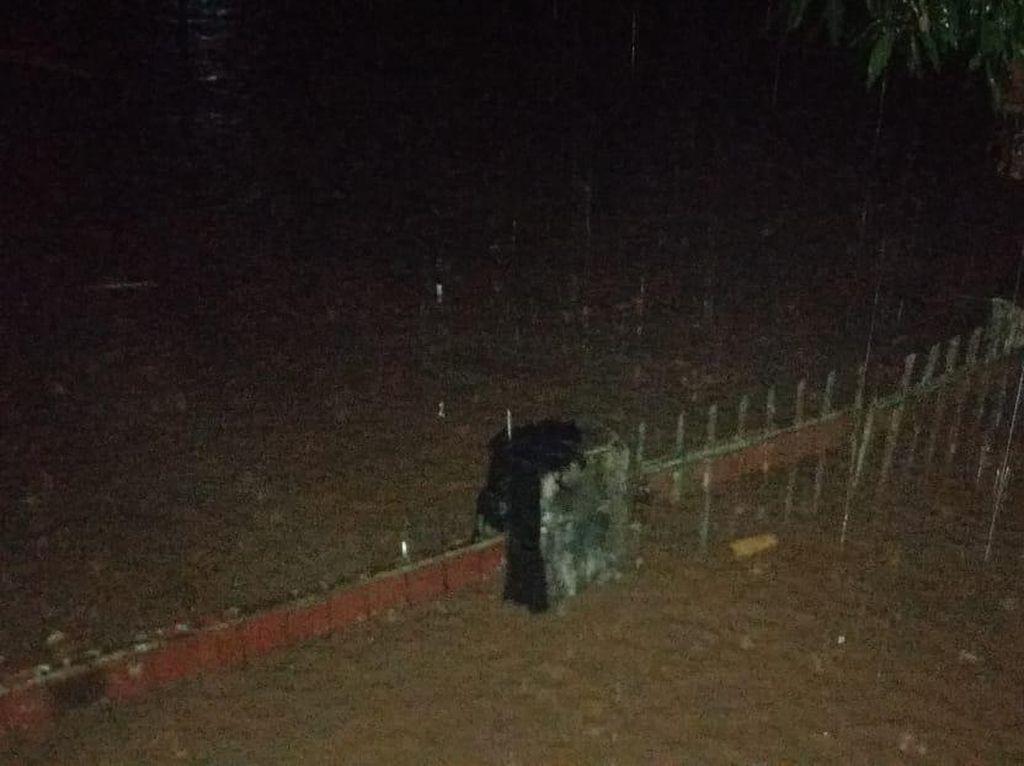 Banjir Setinggi 3 Meter Rendam Permukiman di Bantaeng, 4 Rumah Hanyut