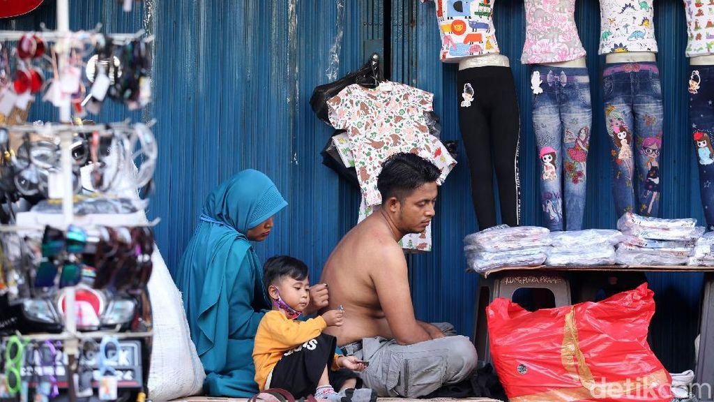 Belum Resmi, Pedagang Pasar Pagi Sudah Buka Lapak