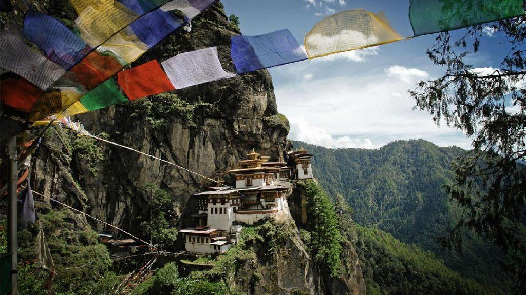 Jadi Negara Paling Bahagia, Bhutan Belum Terima Turis Lho