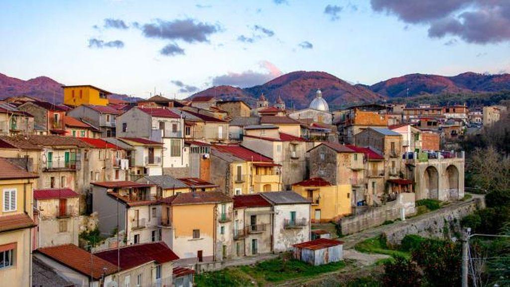 Potret Rumah di Italia yang Diobral Rp 16 Ribu