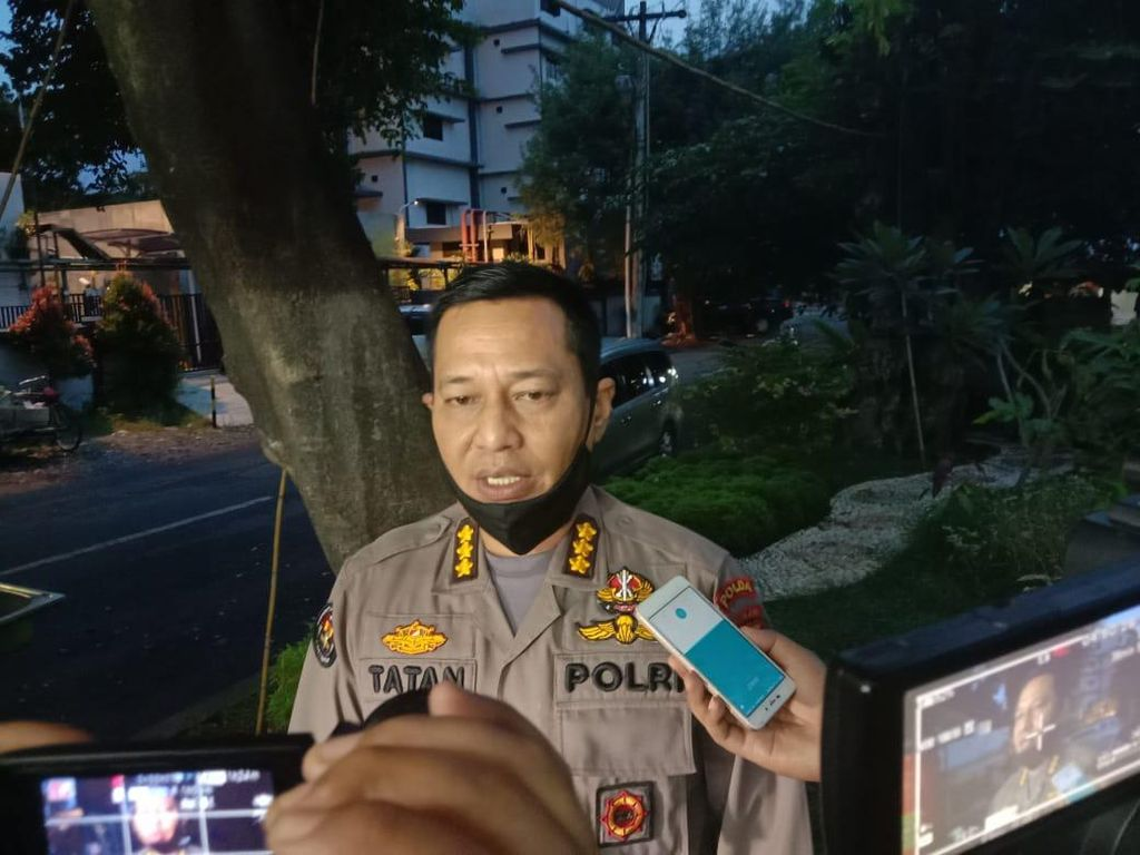 Sempat Dikeroyok Saat Ricuh di Medan, Seorang Polisi Diselamatkan Mahasiswa