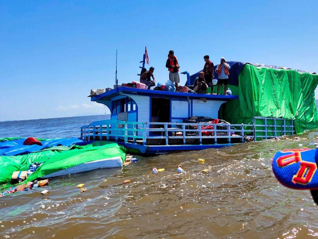 Kapal Bawa 110 Ton Sembako Tenggelam di Laut Kalbar, Diduga Alami Kebocoran