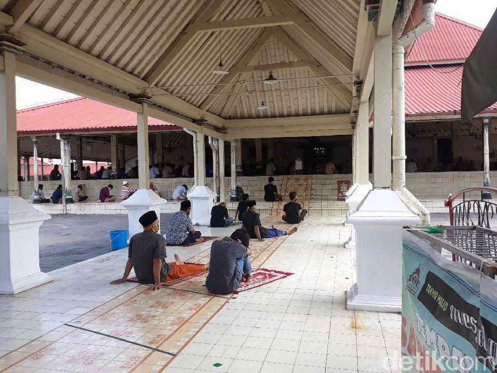 Melihat Suasana Salat Jumat di Masjid Kauman Yogyakarta Hari Ini