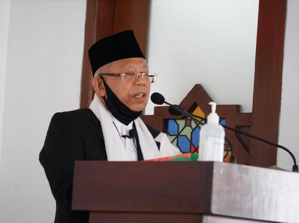 Awali Kerja di Era New Normal, Wapres Maruf Jadi Imam Salat Jumat di Istana