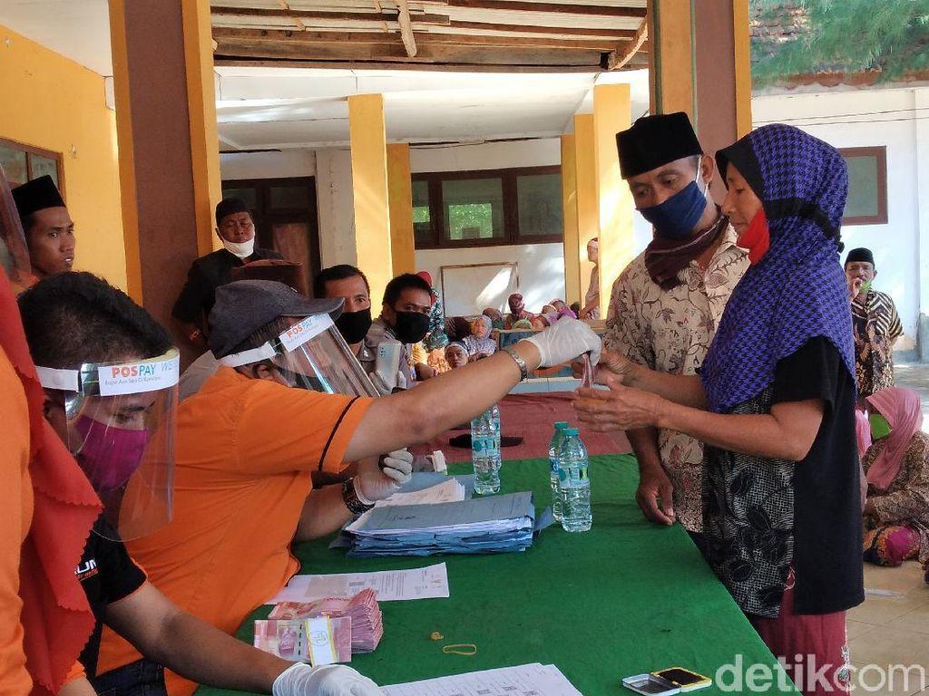 Warga Pulau Giliyang Sumenep Langsung Dapat Bantuan Sosial Tunai 2 Bulan