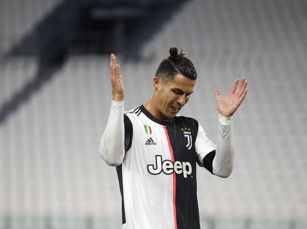 Tren Cristiano Ronaldo Gagal Penalti Setahun Sekali