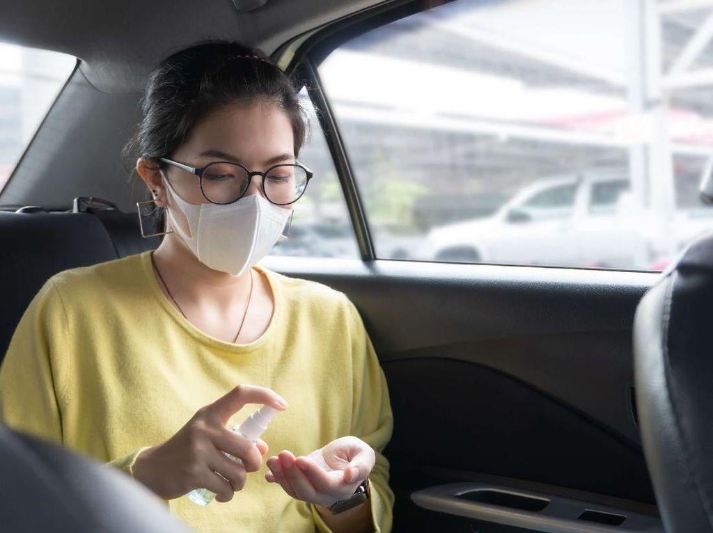 3 Tips agar Tetap Aman Saat Gunakan Transportasi Online di New Normal