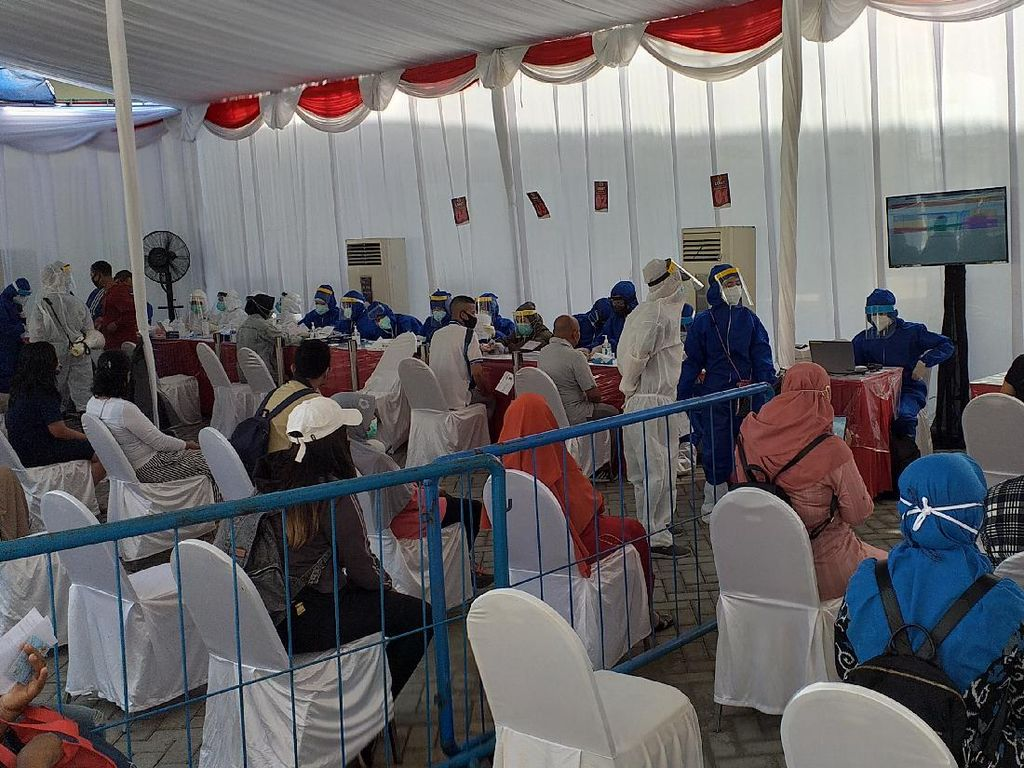 1.717 Warga Ikut Rapid Test Massal Hari ke-15 di Surabaya, 203 Reaktif