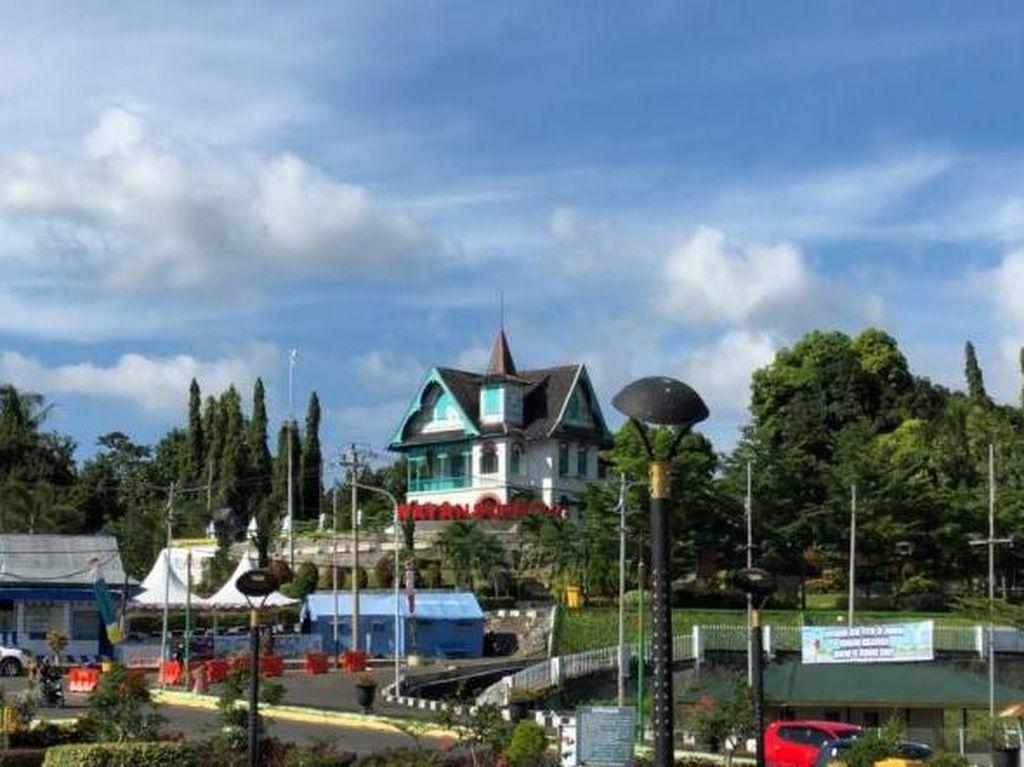 Alun-alun Watansoppeng yang Sarat Legenda
