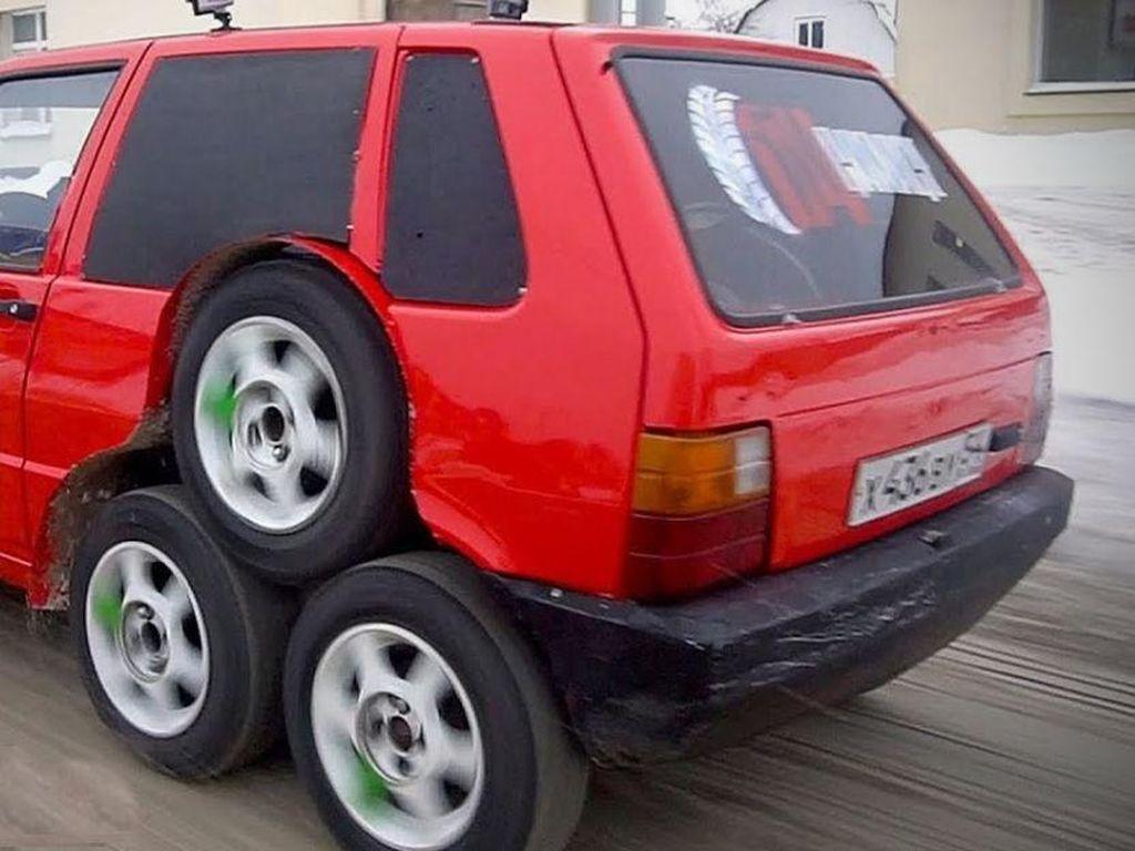 Terinspirasi dari Bandung, Fiat di Rusia Ini Dimodifikasi Pakai 8 Roda