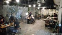 Restoran di Semarang Pasang Sekat dan Kurangi Menu