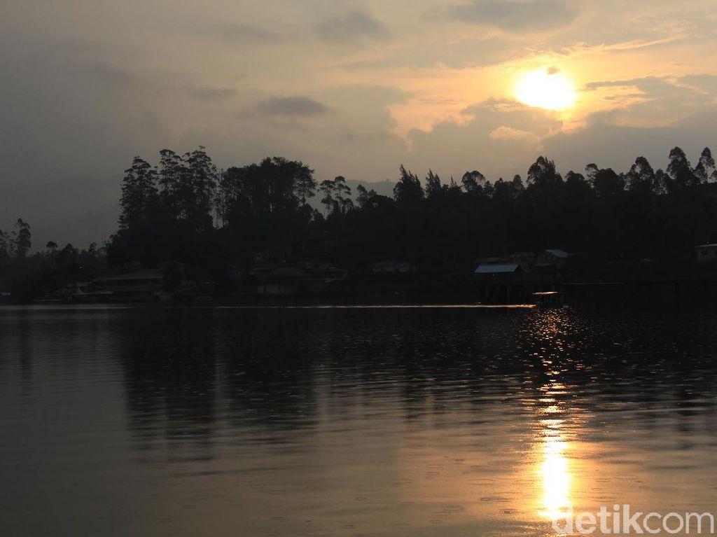 Berwisata ke Bandung Selatan: Nikmati Senja di Situ Cileunca