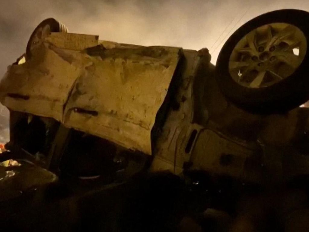 Truk Tangki Kecelakaan-Meledak, 18 Orang Tewas