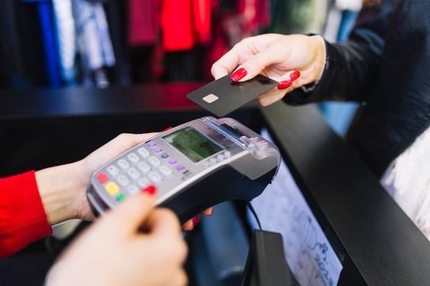 Selalu Implusif dan Mengandalkan Kartu Kredit