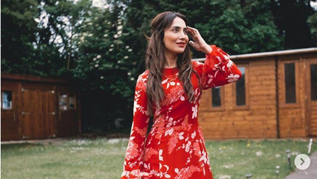 Foto Selebgram yang Bisnis Hijab Tapi Kini Mengumumkan Lepas Hijab