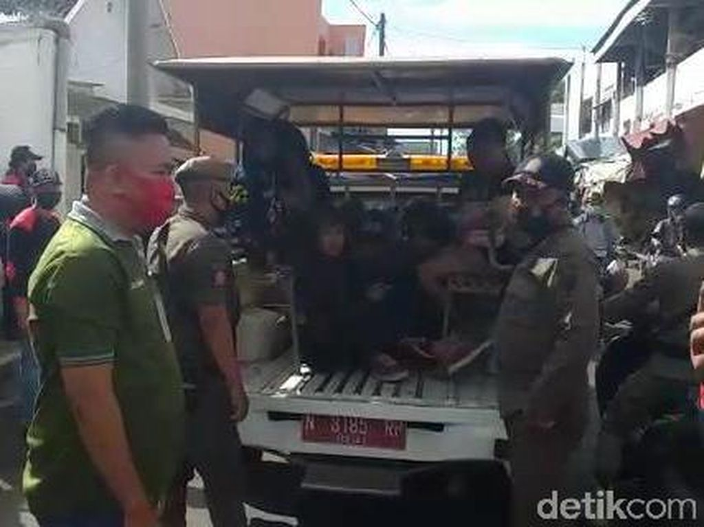 Belasan Anak Punk di Kota Probolinggo Diamankan Karena Resahkan Pedagang
