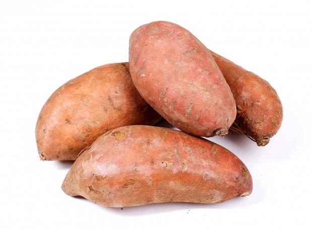 Serat yang ada dalam ubi jalar sangat tinggi sehingga disarankan untuk mengonsumsinya.